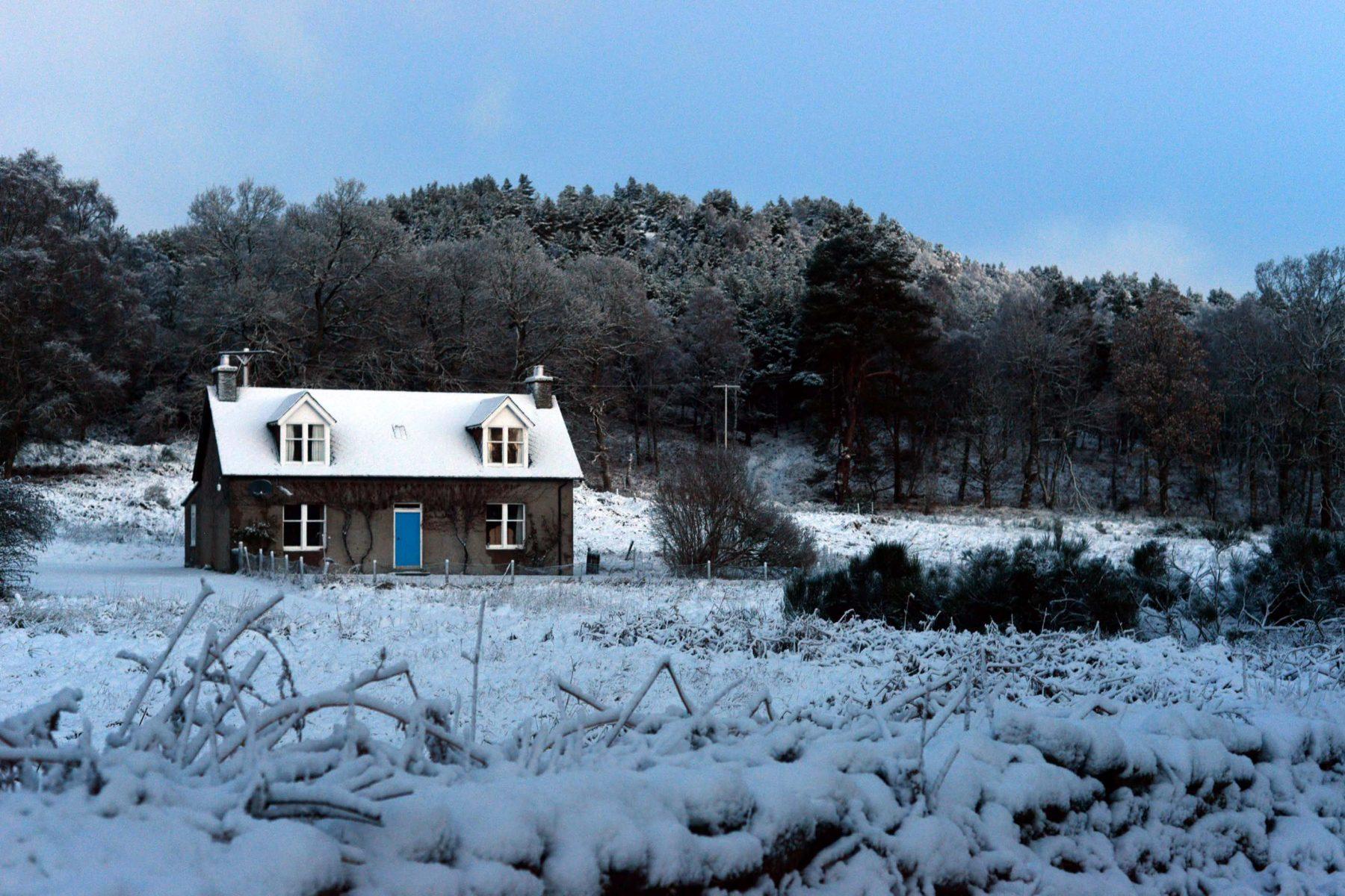 HEMEDIA_SNOWY_SCOTLAND1