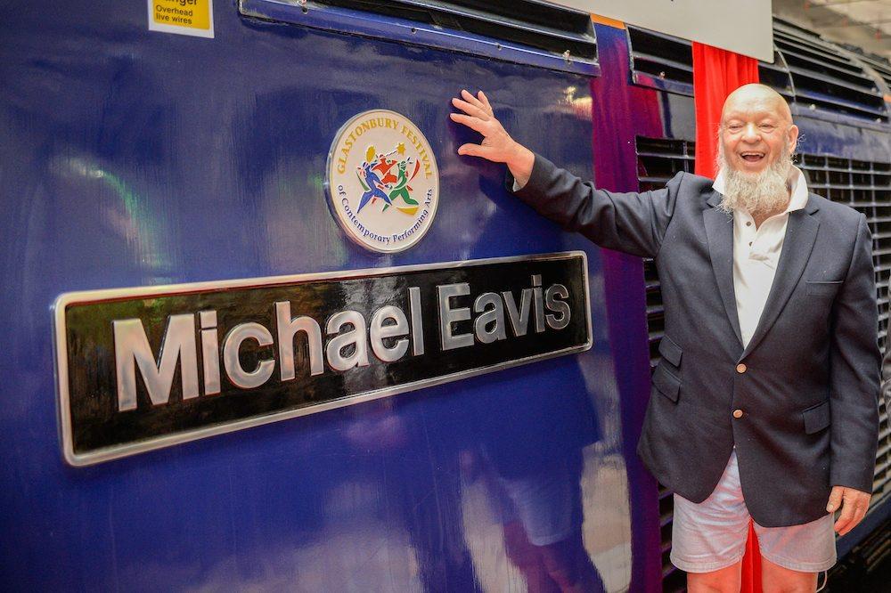 SWNS_MICHAEL_EAVIS_03